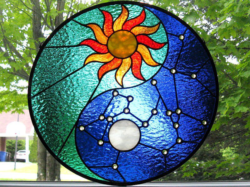 Hanging stained glass panel «Yin & Yang»